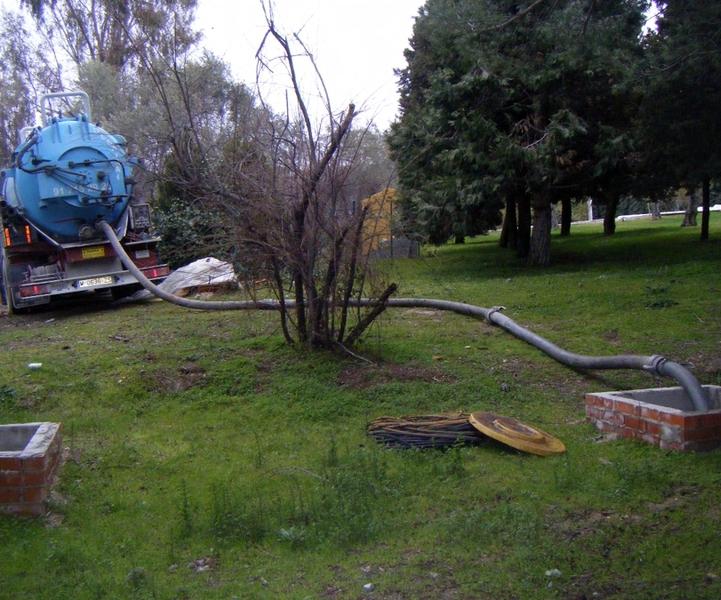 Telf 91 715 29 25 desatrancos saneco en madrid for Limpieza de pozos de agua